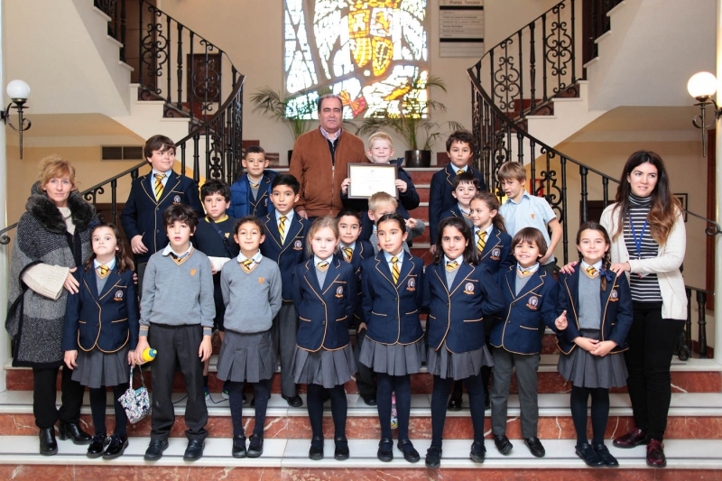 Estudiantes del British International School of Marbella visitan el Ayuntamiento