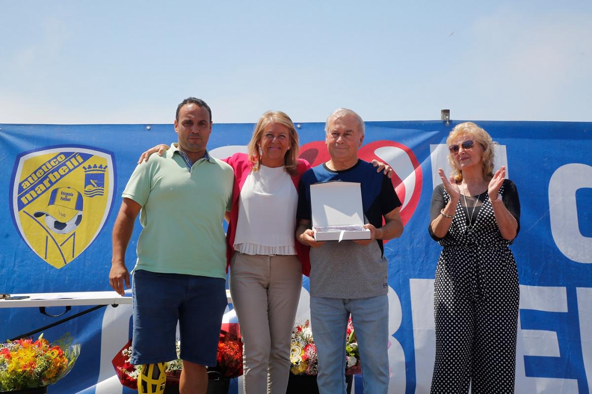 Marbella rinde homenaje a Salvador Gil Machuca 'Moñi' por su trayectoria deportiva