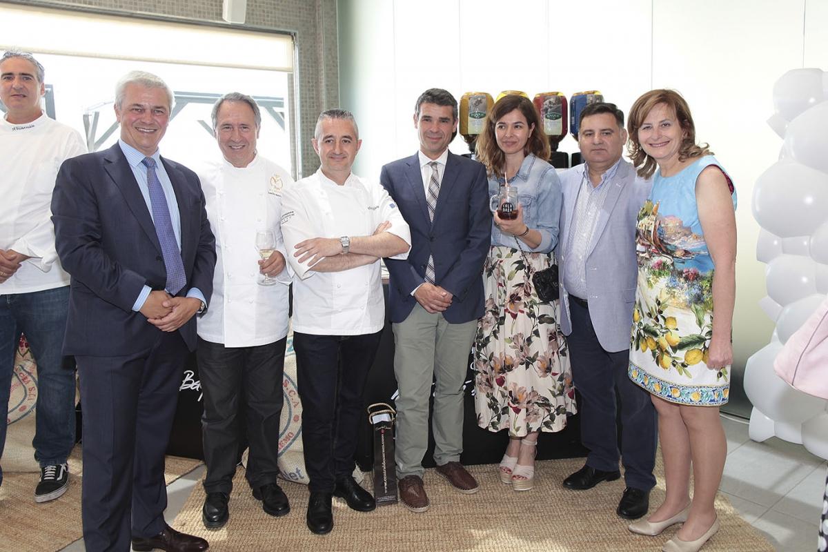 El alcalde asiste a la inauguración de la Pasarela Gourmet de Tendencias de Marbella All Stars