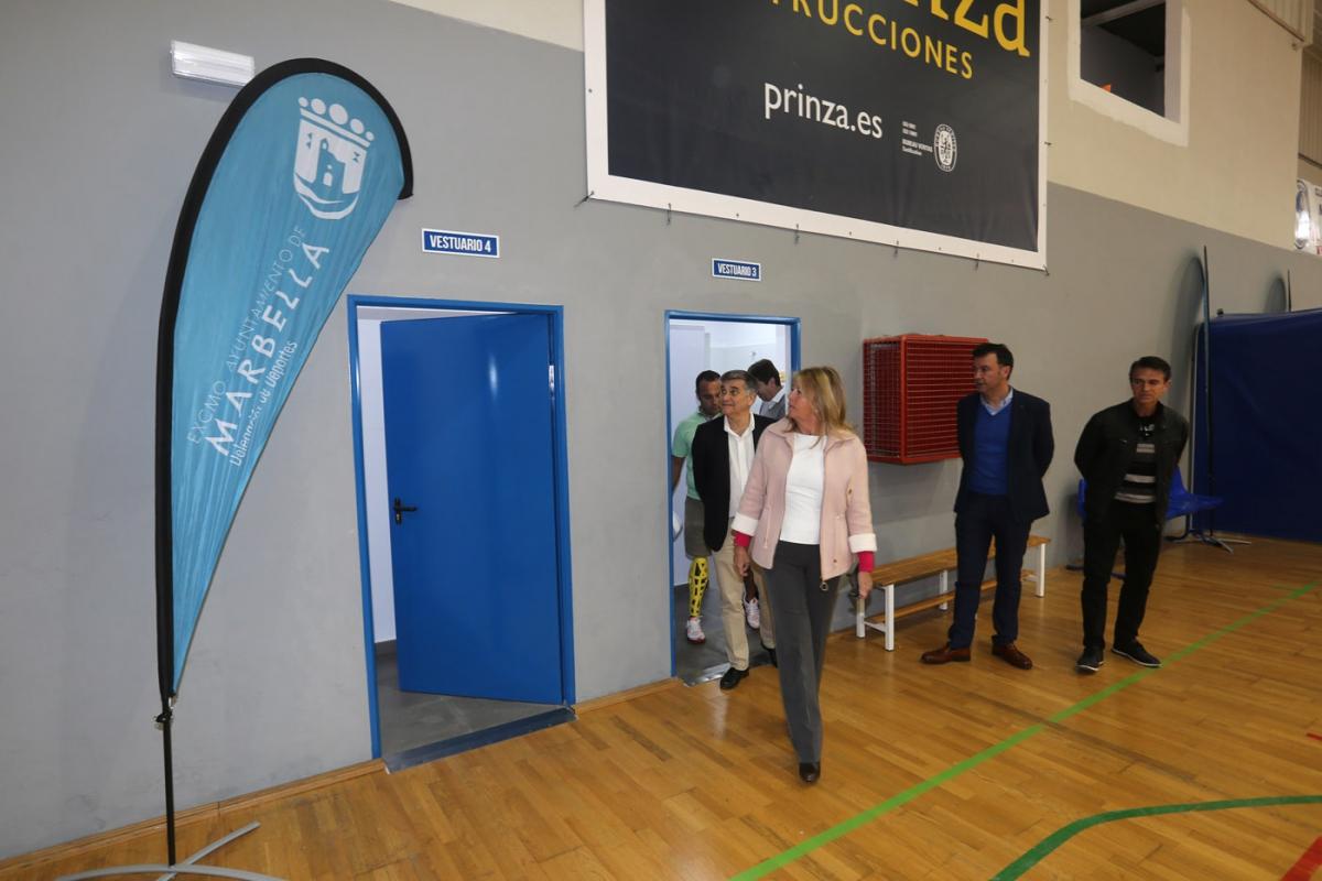 El Ayuntamiento pone en funcionamiento los vestuarios del Polideportivo Antonio Serrano Lima tras su reforma integral