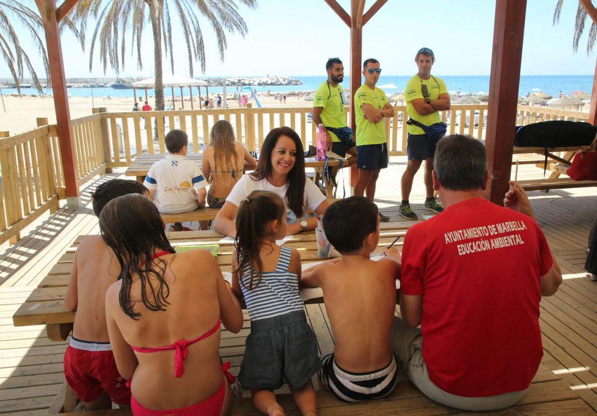 El Ayuntamiento pone en marcha las ludotecas de playa de Marbella y San Pedro Alcántara
