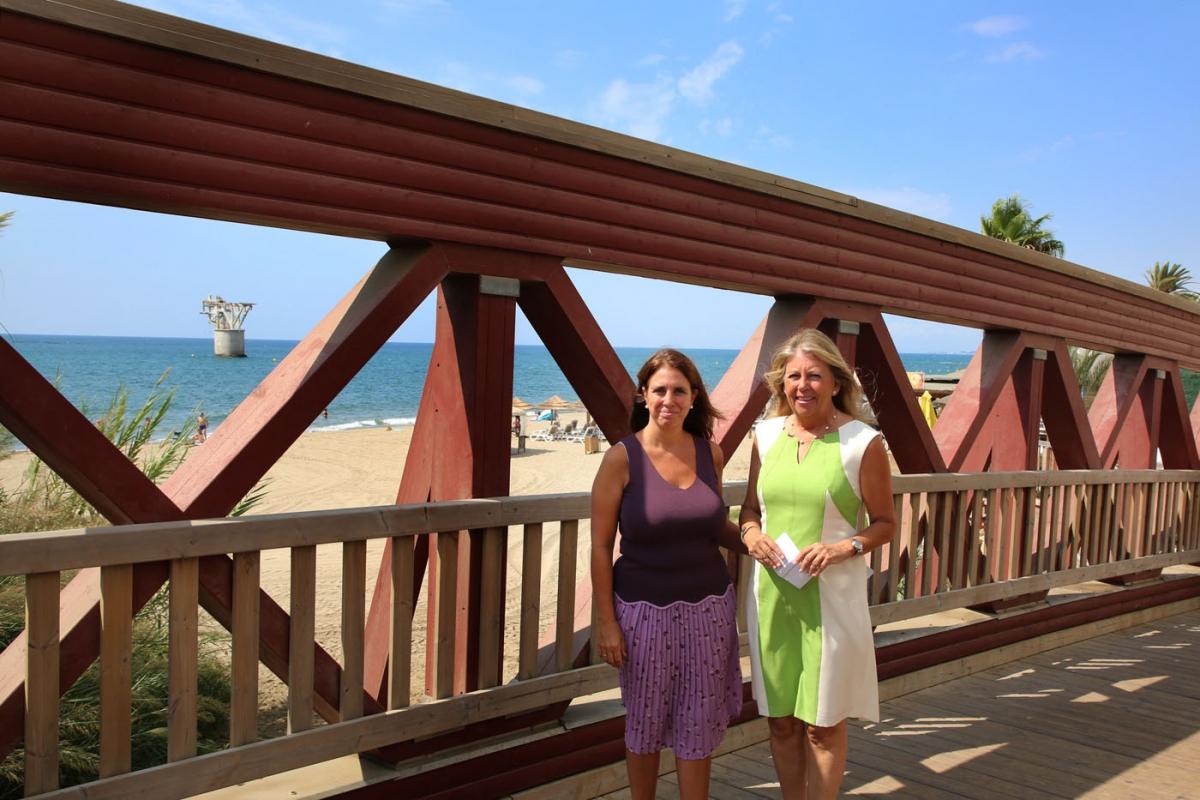 La alcaldesa destaca la inversión de más de un millón de euros en el mantenimiento y socorrismo de las playas y la retirada de 1.300 toneladas de algas este verano