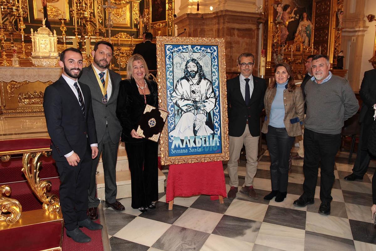 La Agrupación de Hermandades y Cofradías de Marbella presentó el cartel y la pregonera de la Semana Santa 2018