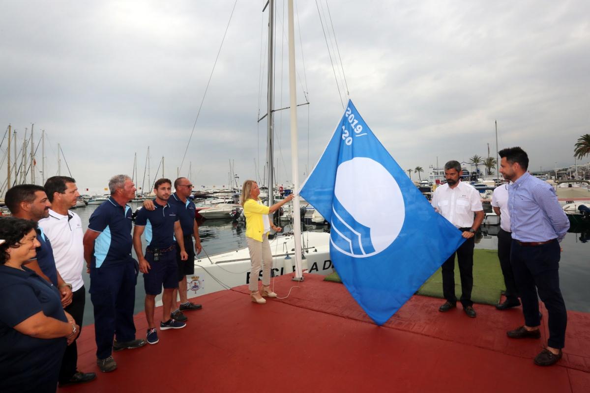 La Bandera Azul y la 'Q de Calidad' distinguen la excelencia de los servicios y la gestión medioambiental del Puerto Deportivo de Marbella