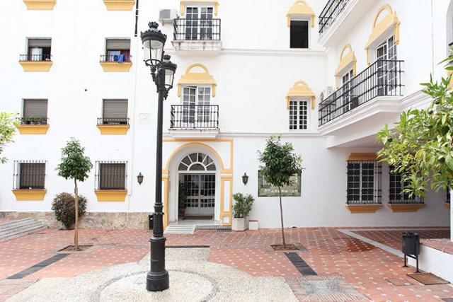La oficina de consumo del ayuntamiento atiende m s de 6 for Oficina correos marbella