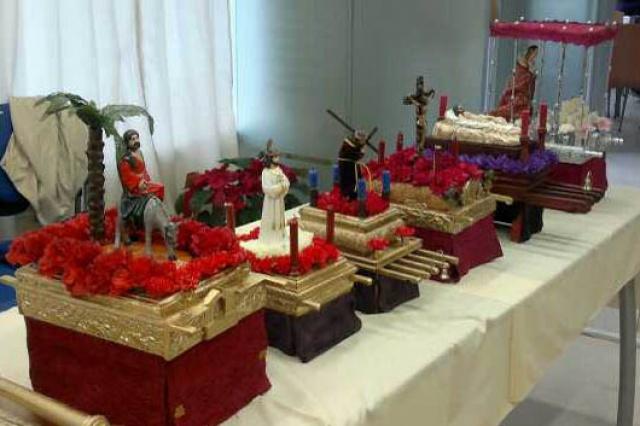 el centro social de santa marta acoge una exposicin de miniaturas de tronos y retablos de semana santa