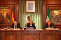 El Pleno del Ayuntamiento aprueba los presupuestos municipales de 2015 y reclama a la Junta la renegociación de la deuda y las inversiones pendientes