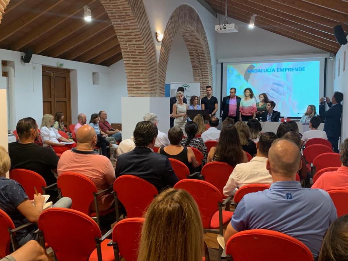 El Cortijo Miraflores acoge una jornada sobre incentivos para trabajadores autónomos en Andalucía