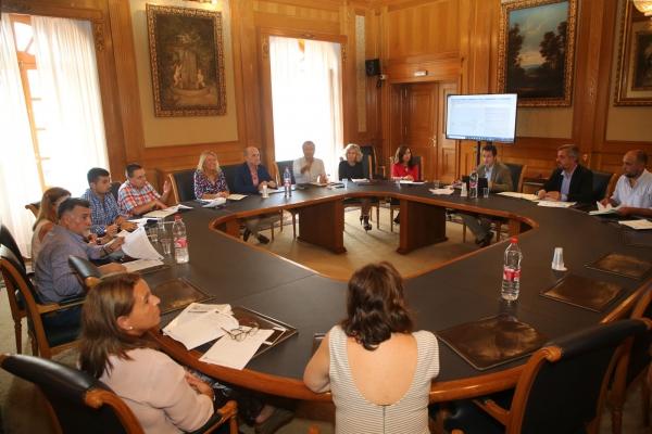 El Ayuntamiento inicia los trabajos de cara a desarrollar los proyectos que se financiarán con los 15 millones logrados de los fondos europeos EDUSI