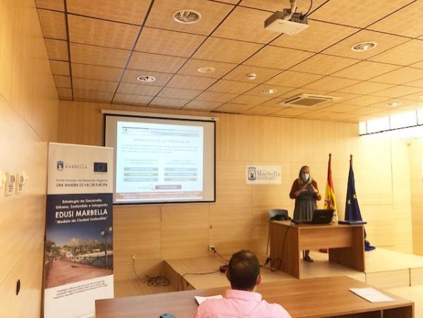 Técnicos municipales se forman en comunicación y publicidad para dar una mayor visibilidad a la ciudadanía de los proyectos financiados con Fondos FEDER