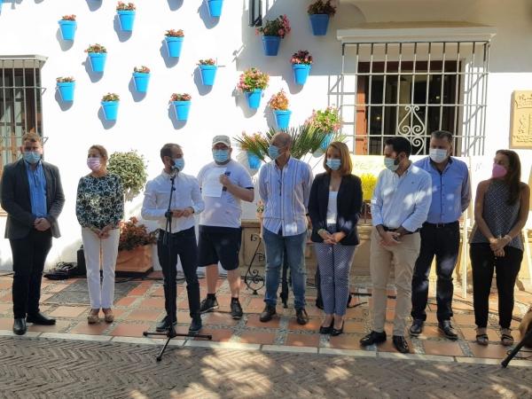 Marbella se suma al Día Mundial de la Salud Mental, que se conmemora el 10 de octubre, con la lectura de un manifiesto reivindicativo y la iluminación en verde de espacios emblemáticos