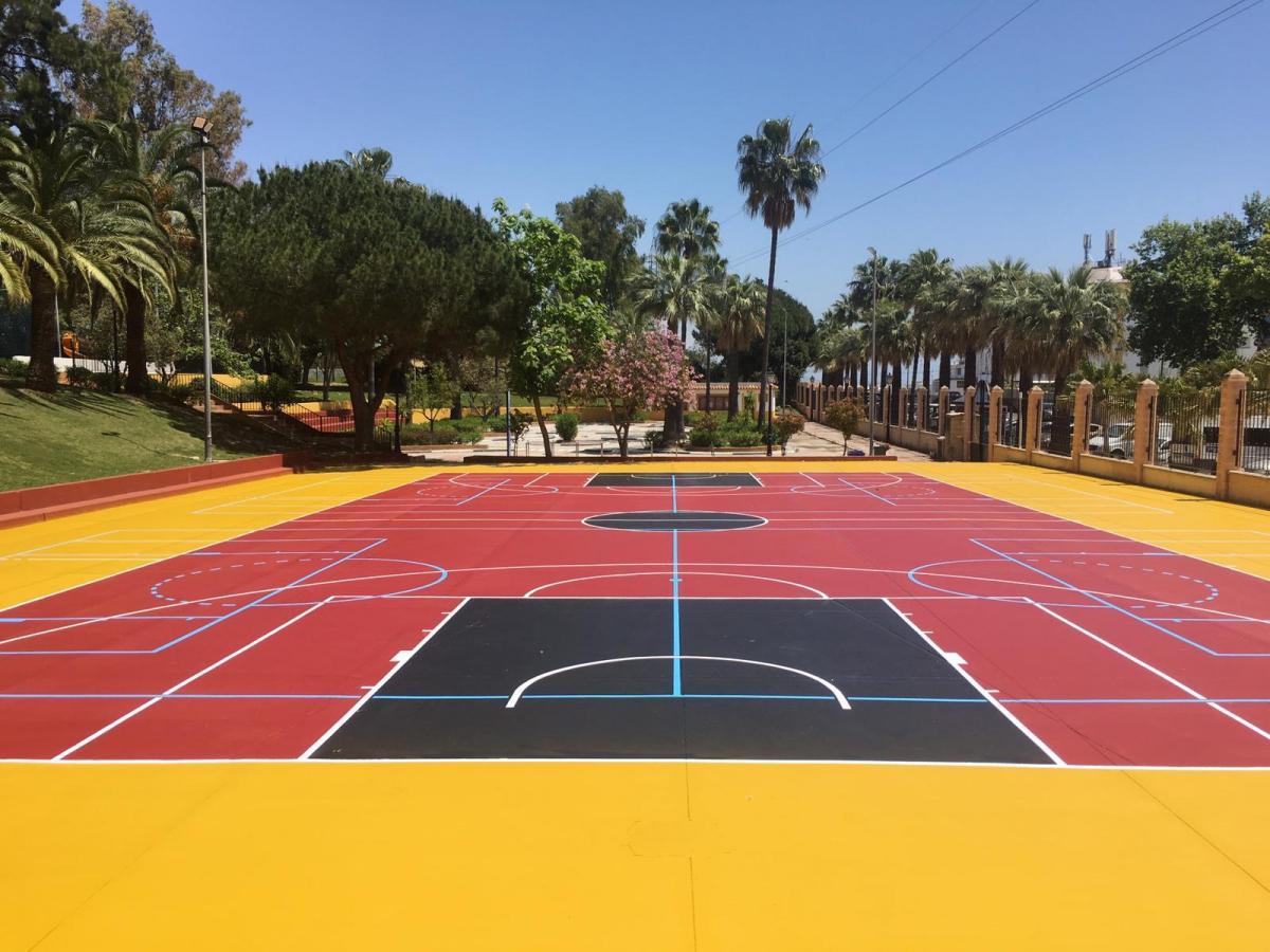 El Ayuntamiento pone a punto diversas instalaciones deportivas de San Pedro Alcántara