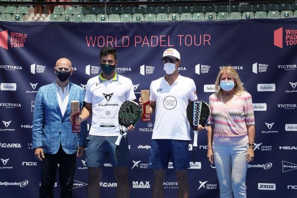"""La alcaldesa destaca """"el potencial de Marbella como sede de grandes eventos deportivos"""" en la entrega de trofeos del World Padel Tour"""