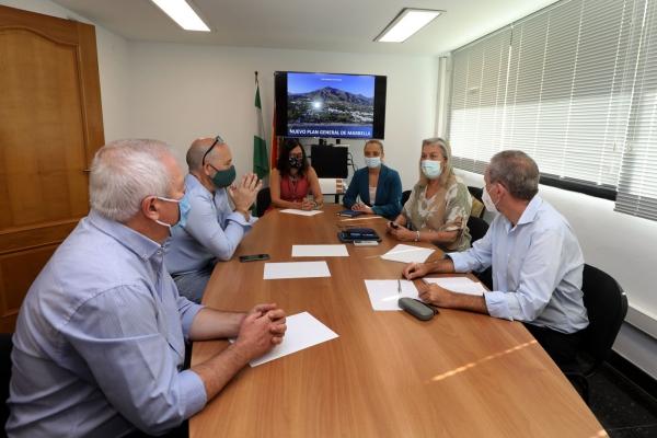 El equipo de Gobierno se reúne con los grupos de la oposición para informarles de los avances del PGOU
