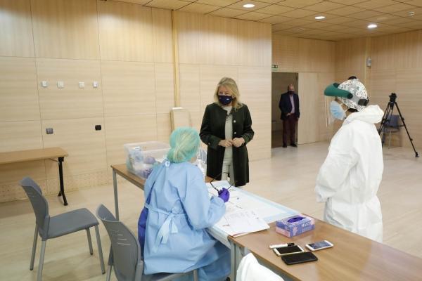 El Ayuntamiento pone a disposición de las autoridades sanitarias todos los recursos municipales para agilizar la campaña de vacunación