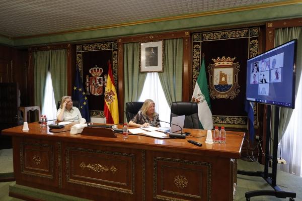 La alcaldesa traslada al sector de la construcción el apoyo del Ayuntamiento para contribuir a la reactivación económica de Marbella