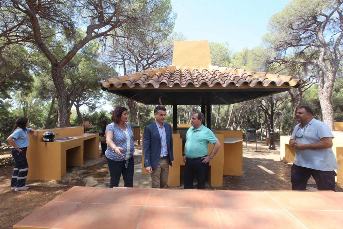 El Ayuntamiento Pone En Valor El Parque Vigil De Quiñones Con La Limpieza Y El Adecentamiento De Todo El Recinto
