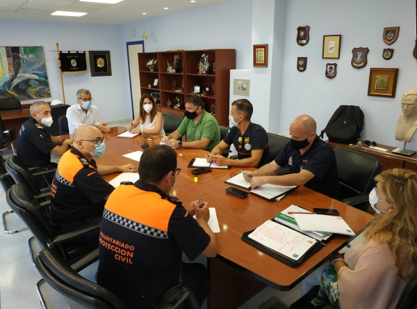 El comité de seguridad y playas aborda los mecanismos de coordinación entre el Ayuntamiento y la Junta respecto a los 150 auxiliares que refuerzan la vigilancia del litoral