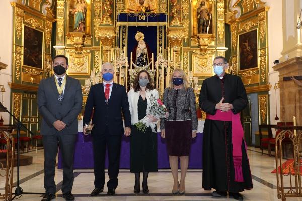 La alcaldesa asiste a la lectura del pregón de la Semana Santa de Marbella a cargo de Francisco de Asís Fuentes