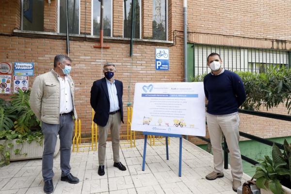 El Ayuntamiento completa en los últimos seis meses más de 75 actuaciones en los colegios de San Pedro Alcántara