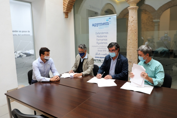 El Ayuntamiento respalda el convenio de colaboración entre Apymem, Elefantes Solidarios y Arrabal para seguir potenciando el sector de la economía social