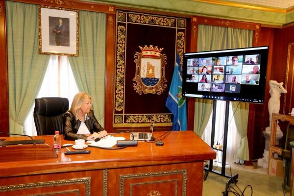 El sector turístico traslada a la alcaldesa su inquietud por las fases de desescalada previstas por el Gobierno central y reclama más concreción en las medidas