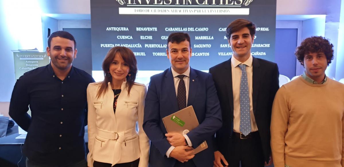 Marbella pone en valor su fortaleza como destino para invertir en un foro donde se dan cita un millar de empresas e inversionistas