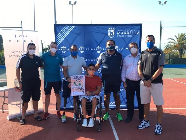 El Ayuntamiento acondiciona las pistas del Polideportivo Paco Cantos para la disputa, a partir de mañana, del XII Open Nacional Ciudad de Marbella de Tenis en Sillas de Ruedas