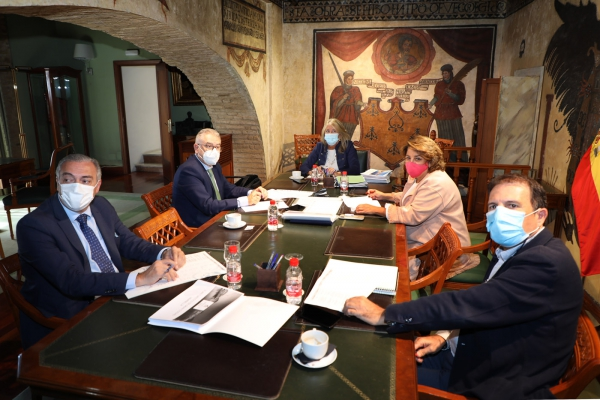El Ayuntamiento y la Junta perfilan el proyecto que, destinado a la modernización del sector turístico, presentará Marbella en el marco de la línea de subvenciones para Grandes Ciudades