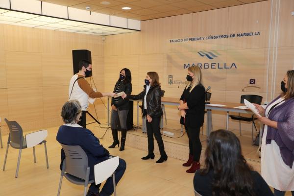 Un total de 25 jóvenes han participado en los cursos gratuitos de 'Primeros Auxilios' y 'Celador en instituciones sanitarias' en el marco del programa de prevención Activa Marbella
