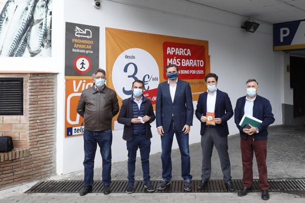El Ayuntamiento y Apymem alcanzan un acuerdo con el parking del Mercado Municipal para dinamizar la actividad comercial en el  entorno