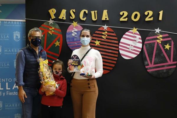 Marina Cano, Paula Cano y Almudena Sánchez logran los primeros premios del concurso online 'Decoración Huevos de Pascua' de la delegación de Fiestas