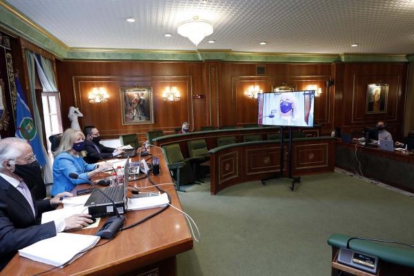 El Ayuntamiento reclama al Gobierno un reparto equitativo de las ayudas directas para el sector turístico y más vacunas para acelerar la inmunización frente al Covid-19