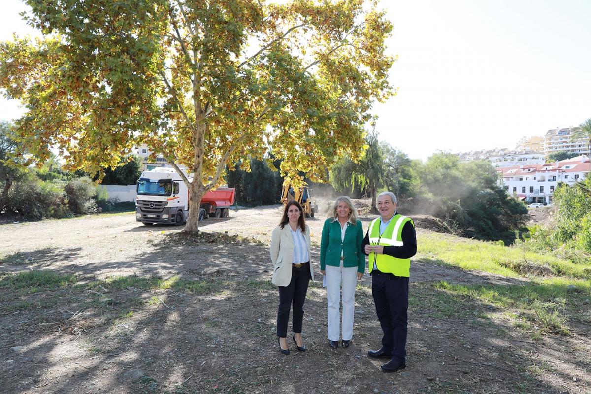 Marbella acomete la limpieza de los cauces de una docena de ríos y arroyos y destinará en 2020 una partida de 150.000 euros para dar continuidad a estos trabajos cada año