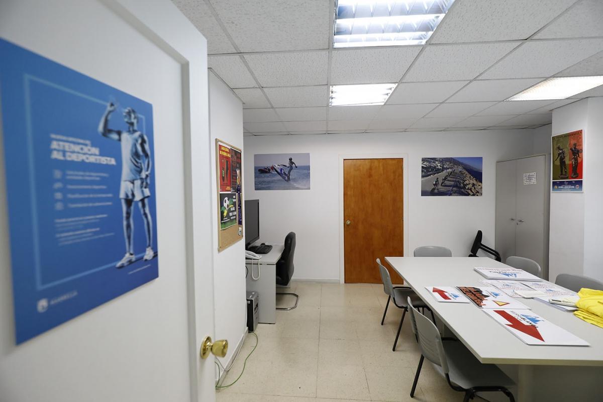 La Oficina de Atención al Deportista ha gestionado más de un centenar de consultas desde septiembre y trabaja en la implantación del programa de patrocinio Marca Marbella