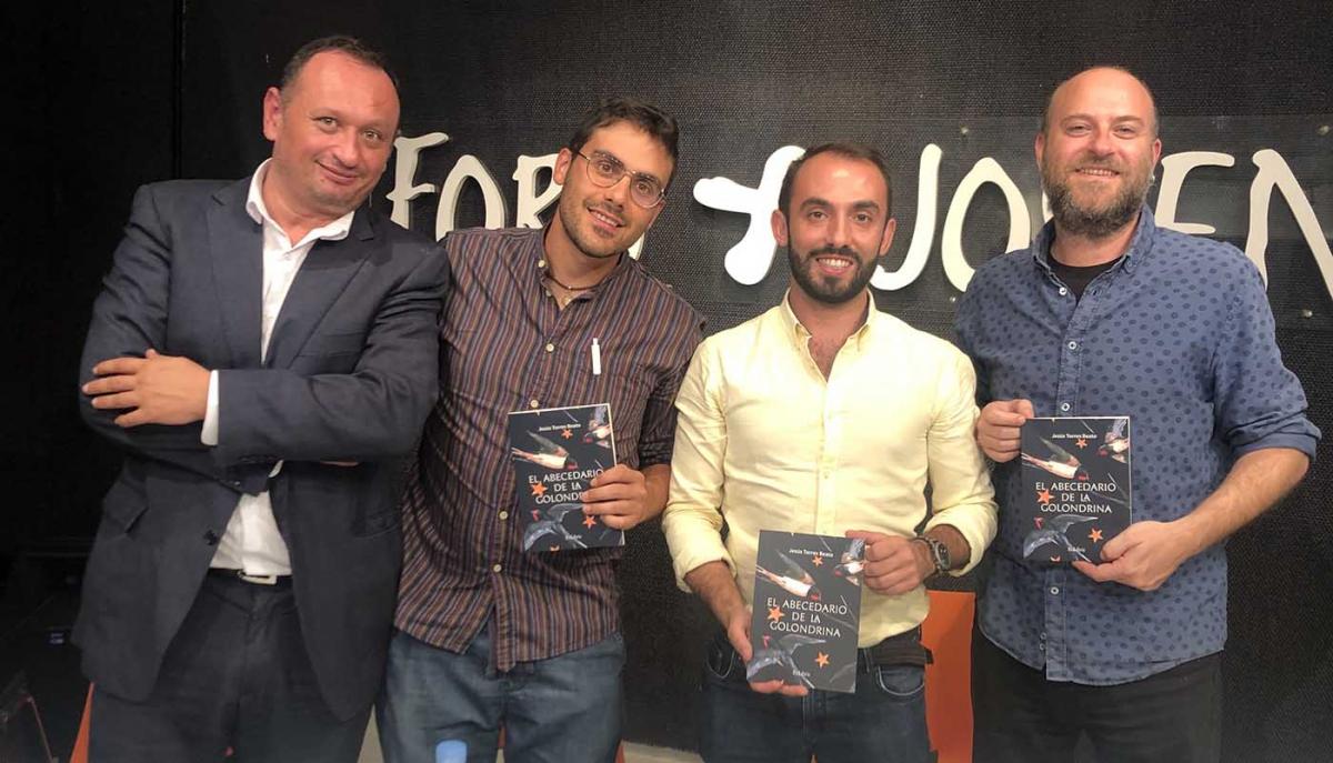 Presentado en Marbella el libro 'El abecedario de la golondrina', del escritor Jesús Torres