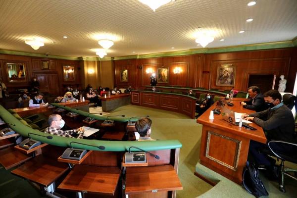 El Ayuntamiento informa a los colectivos empresariales de las ayudas directas al sector recogidas en los presupuestos y de otras medidas para hacer frente a la crisis económica